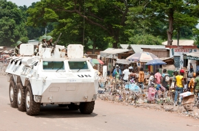 Moroccan peacekeepers patrol Bambari, CAR. UN Photo/Catianne Tijerina.